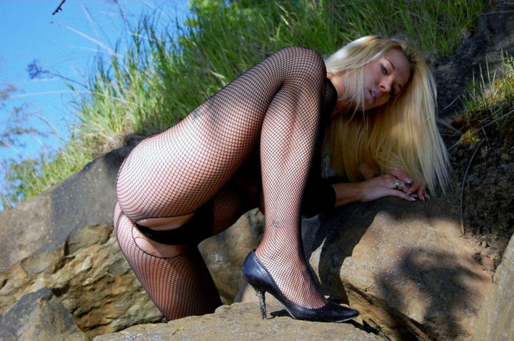 The Hottest 6′ft Califorina Blonde Is In Dallas Texas