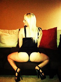 **super Hott** Upscale Blonde** Ready To Play**