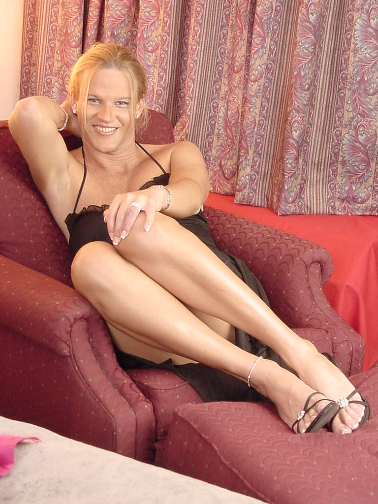 Stunning Blonde Transexual with Legs To Die For