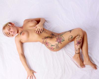 girl getting nude dancing